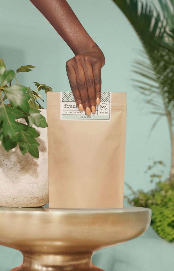 √  Frank Body coconut coffee scrub