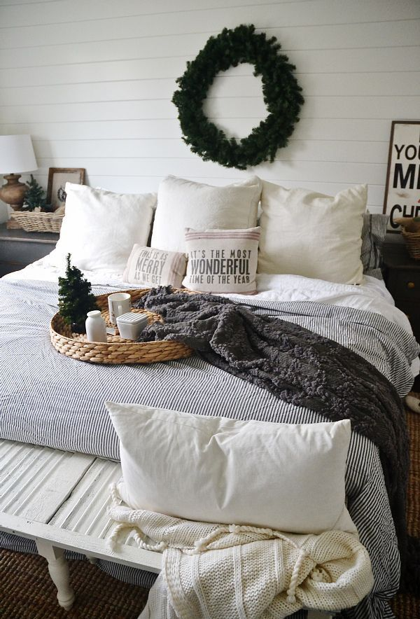 20 Lovely Winter Bedroom Concepts - http://www.decorazilla.com/decor-ideas/20-lovely-winter-bedroom-concepts.html