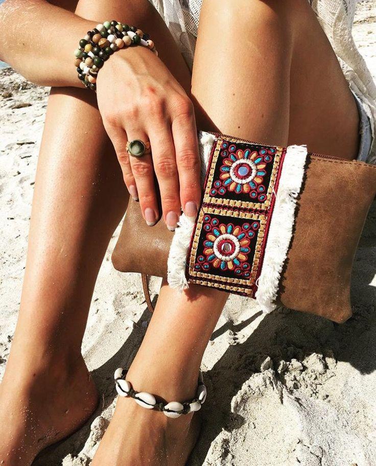Boho tas & sieraden. bohemian, ibiza, hippie, gipsy, aztec, clutch, armbanden, ring, enkelbandje, schelpen, kralen, beads, bohostyle, ibizastyle, hippiestyle, gipsystyle, handmade, Hats&Flats