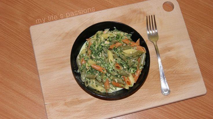 (1/3) makaron w 15 minut: z sosem śmietanowo-szpinakowym z łososiem/ pasta in 15 minutes: with creamy spinach sauce and salmon