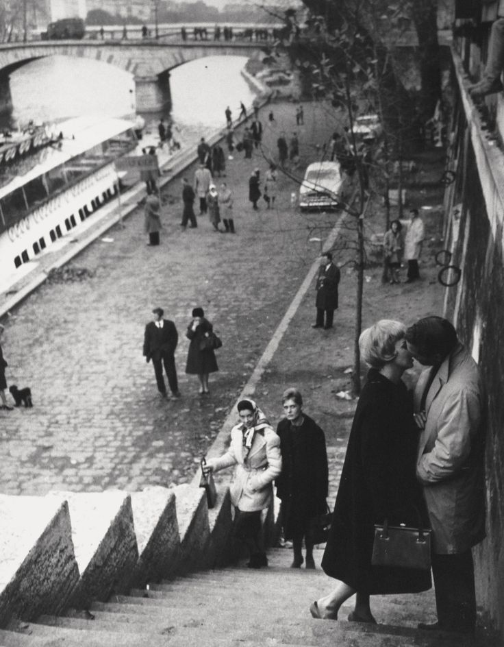 bleuelle:  Paris 1961, by Martin Munkacsi