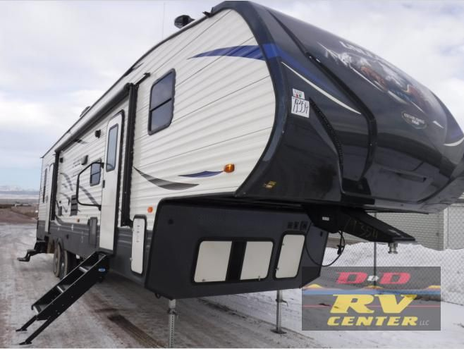New 2019 Palomino Puma Xle Lite 29fqc Toy Hauler Travel Trailer At