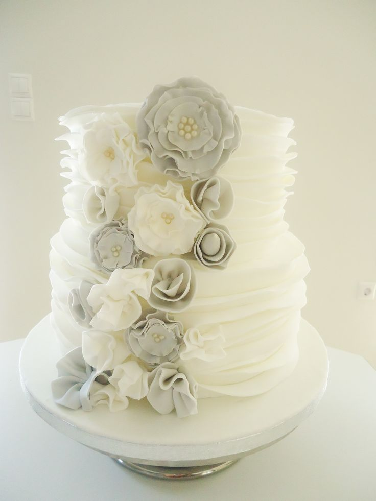 Love the simple elegance/ silver, grey & white wedding cake <3