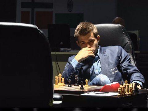Magnus Carlsen Game 4