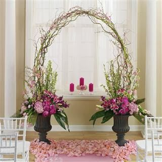 Pink and White Wedding Altar. http://simpleweddingstuff.blogspot.com/2014/01/pink-and-white-wedding-ideas.html