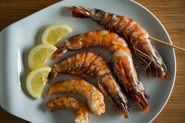 Adora marisco mas não tem a certeza de como grelhar camarões de forma deliciosa?…