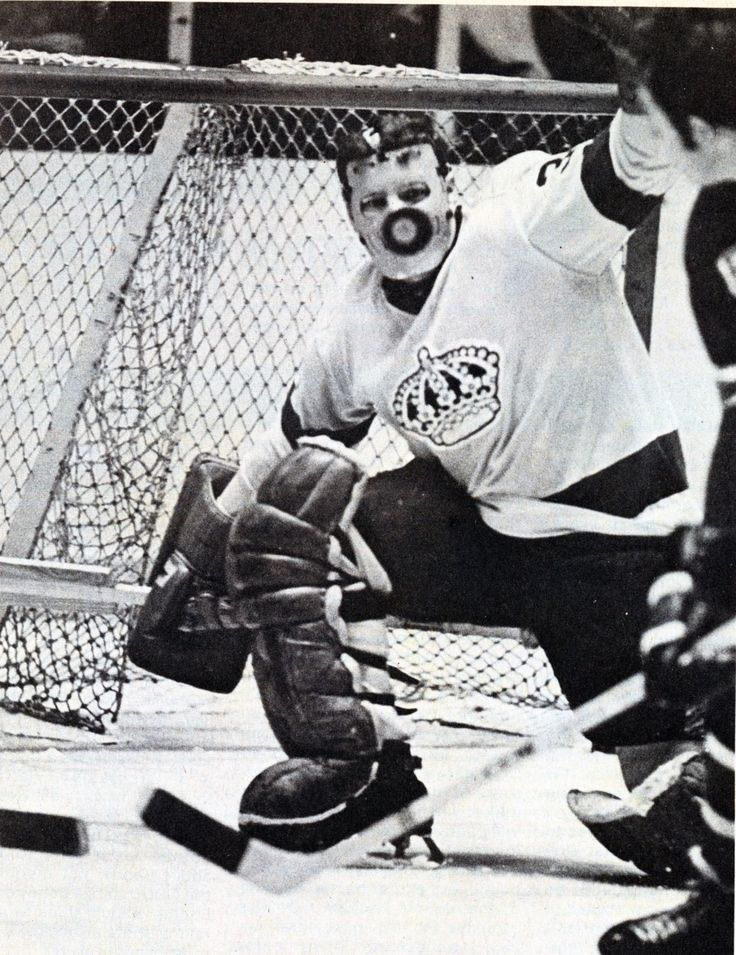 Why goalies where masks...Gerry Desjardins with the L.A. Kings.