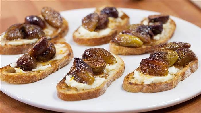 The fig and cheese bruschetta recipe that has Ina Garten saying 'OMG'