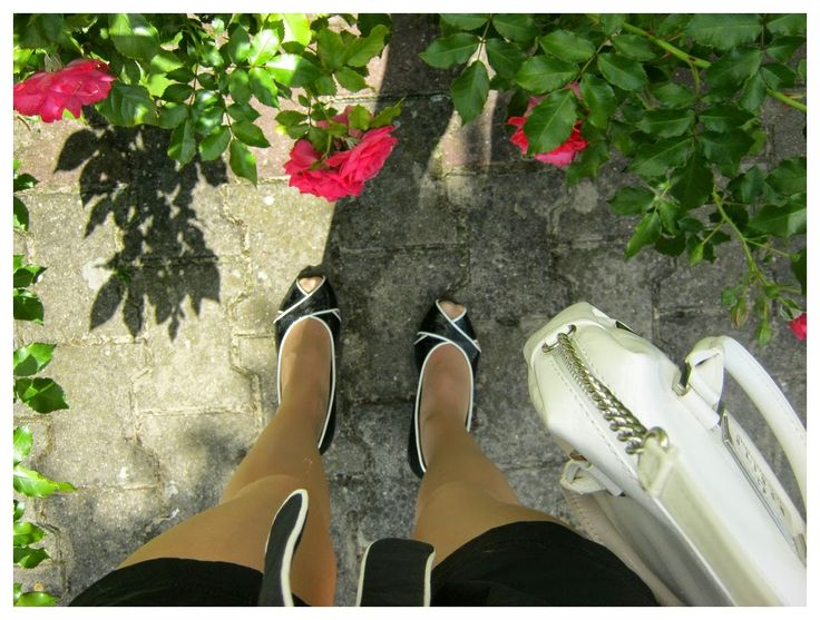 FASHION Secret Garden : Black & White   http://www.alliness.blogspot.com/2014/09/black-white.html