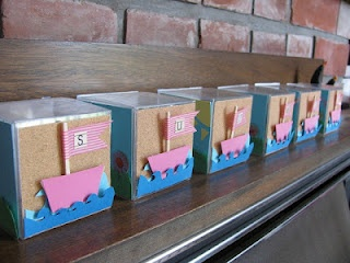 washi tape boats ... wrapping for wedding party gifts for island wedding: Tape Boats, Mummy Adventure, Sailboats Blocks, Creative Spaces, Adorable Sailboats, Islands Wedding, Summer Decor, Parties Ideas, Wedding Parties Gifts