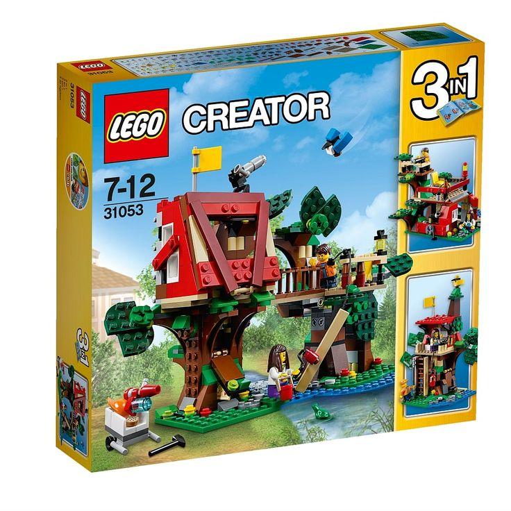 <strong>LEGO Creator - Aventuras na Casa da Árvore - 31053</strong>, um set com 387 peças, das quais 2 mini figuras, 1 corvo azul, 1 rã e acessórios. Vive emocionantes aventuras com este divertido e colorido modelo 3-em-1 da <strong>LEGO Creator</strong>. Ajuda as crianças a construir a casa na árvore. Baixa a corda para içares as tábuas, prega-as umas às outras e usa o rolo de pintura para acrescentar os retoques finais. Quando acabares de pintar, coloca os teus instrumentos no esconderijo…