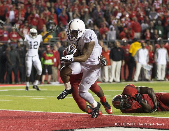 PENN STATE – FOOTBALL 2014 – Penn State running back Bill Belton scores a touchdown on a 5-yard run late in the fourth quarter to give the Lions the lead, 13-10 at High Point Solutions Stadium on September 13, 2014. Joe Hermitt, PennLive