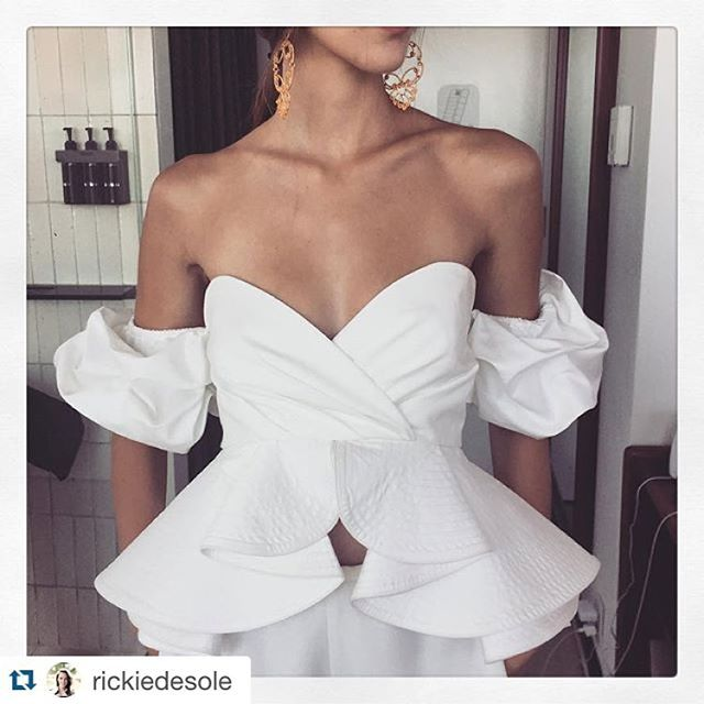 """One of my favorite tops!!!! @modaoperandi #resort16 #white #ruffles #johannaortiz #gwm @rickiedesole with @repostapp. ・・・ All ruffled up in @johannaortizofficial"" Photo taken by @johannaortizofficial on Instagram, pinned via the InstaPin iOS App! http://www.instapinapp.com (08/03/2015)"
