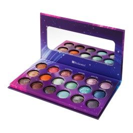 The stars will truly align when you use this baked eyeshadow palette with 18 versatile shades. This palette includes a range of out of this world colors that work for everyone. From everyday neutrals to vibrant hues, your look will undoubtedly be Galaxy Chic!
