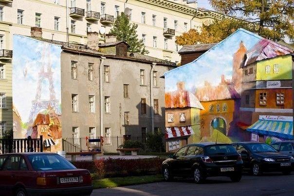 Рисунок на двух зданиях по улице Молдагуловой