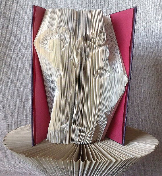 Book folding pattern and FREE Tutorial - Flamenco Dancers with fan - folded book art, origami, gift #bookfolding #bookfoldingpattern #foldedbookart #booksculpture #papersculpturebook #origamibook #weddinggift #weddinganniversary #birthdaygift #patterntutorial #recycledbook #homedecor #lovegift #motherdaygift #craft #gift by #PatternsStore