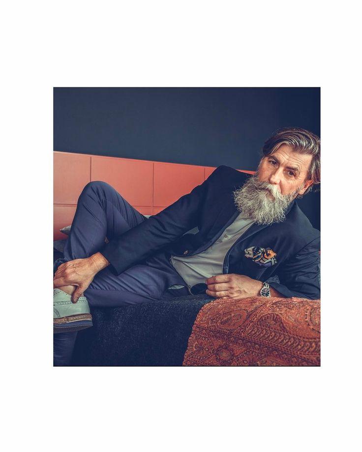 T. G. I. F. Time to change this look and slip into  more casual clothes for the week-end. Jacket @alexandermcqueen, vintage suit pocket @diorhomme 🇫🇷 Genial c'est le week end on va pouvoir passer a un look plus décontracté. 📸📸📸 @jessica_prautzsch_photography. #ilovemyjob #beardmodel #follow4follow #thebeardstruggle #beard #badass_beards #beardandcompany #Beardlov3 #beard4all #beardedlifestyle  #beardlovers_ #labbarba  #Thebeardedchap #beardfraternity #beard_care  #Labarbieredeparis…