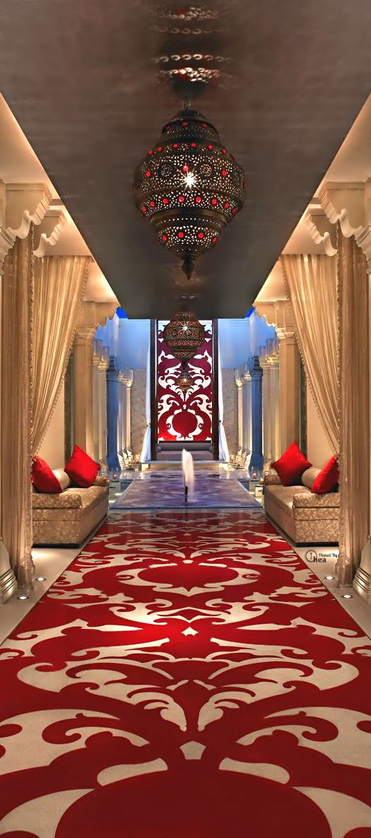 I AM WEALTHY, HEALTHY, AFFLUENT AND VERY VERY HAPPY NOW...Billionaire Club / The Glamorous Life.  The Royal Spa at ITC Mughal, Agra