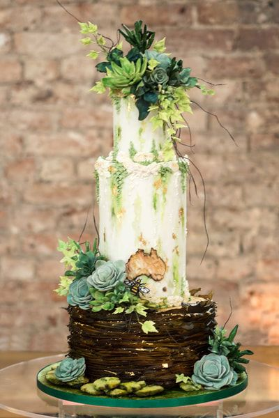 Bespoke Wedding Cake design - The Frostery