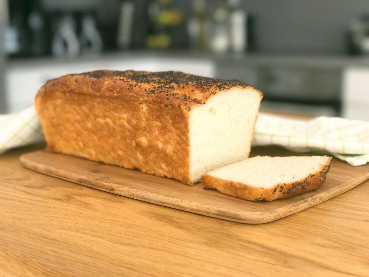 Här kommer ett recept på ett glutenfritt rostbröd som är lätt att lyckas med och som blir härligt mjukt och saftigt. Skiva upp, frys in och ta fram och rosta i brödrosten. Ett enkelt sätt att...
