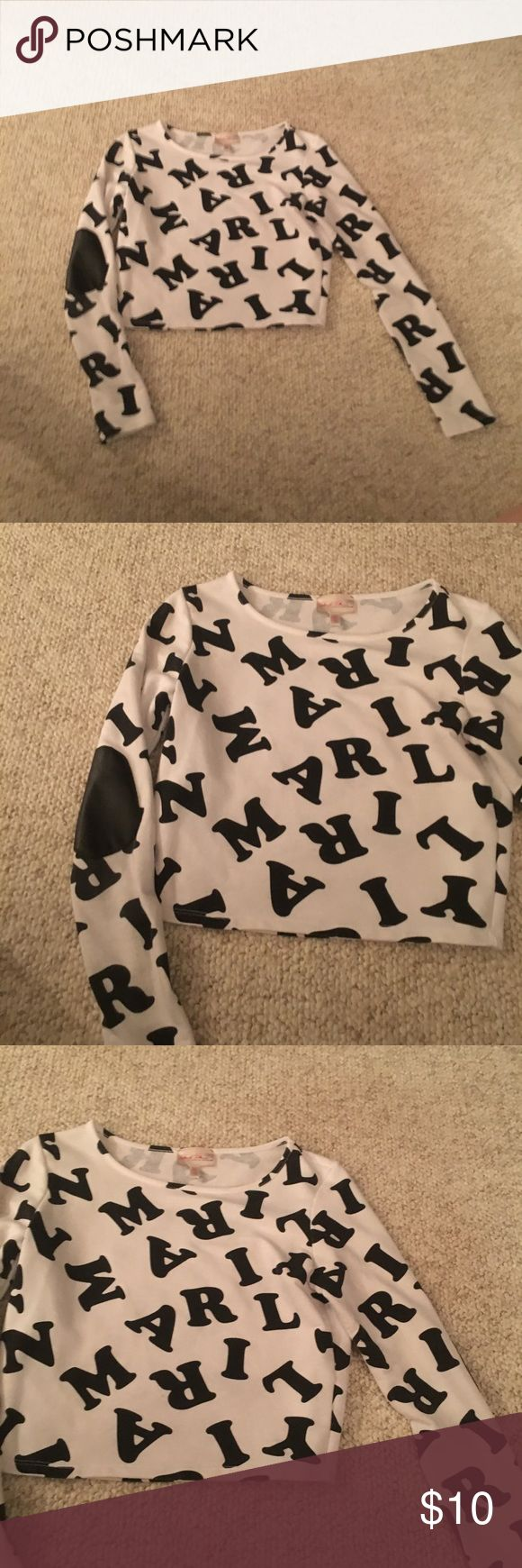 Size small Marilyn Monroe Shirt Size small Marilyn Monroe Shirt in nice condition Marilyn Monroe Tops