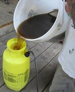 making compost tea for fertilizer