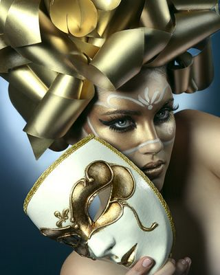 Gold Luxe Mask & Ribbons