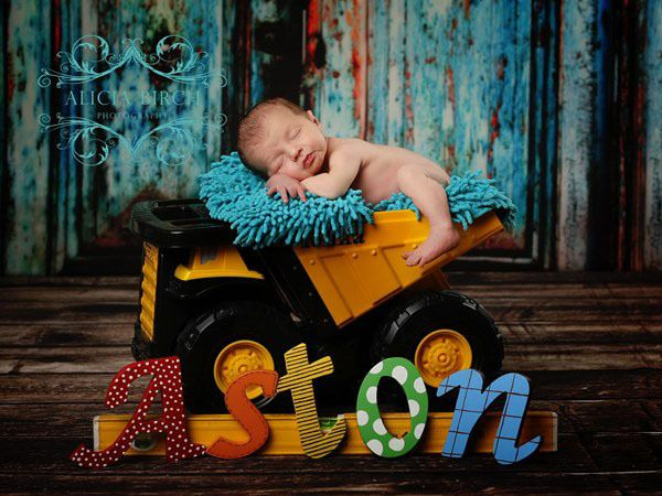 The best Newborn Photography props for baby portraits