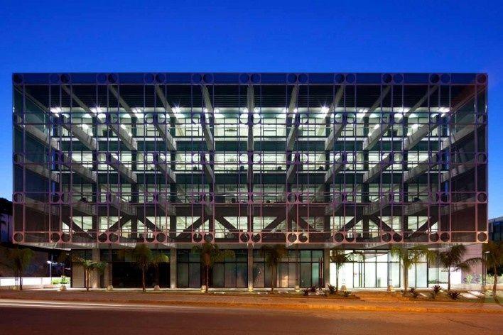 Edifício Sede do Confea | Brasília DF, Brazil | Pedro Paulo de Melo Saraiva Arquitetos Associados | photo by Leonardo Finotti