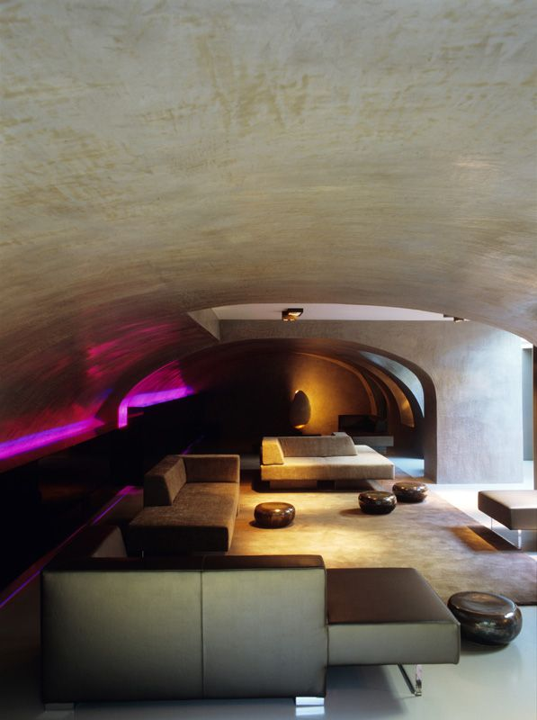 Molotov, Antwerp, Glenn Sestig Architects - tadelakt by Odilon Creations