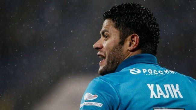 Brazylijski piłkarz Zenitu oddał strzał na aut • Zenit vs PSV Eindhoven • Hulk nie popisał się w meczu Ligi Europy • Wejdź i zobacz >>