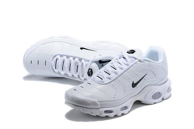 1a3c86a497b7 Mens Winter Nike Air Max Plus TN Se Running Shoes White black 815994 ...