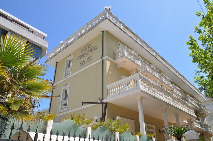 Hotel Novecento http://www.riccionesocialclub.it/riccione-monamur/lhotel-novecento-risorge-la-fenice