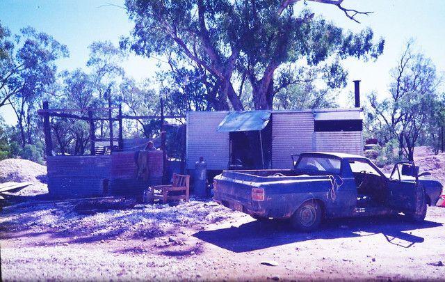 Opal Mining opal mining,opal miners camp site, lightning ridge opal mines