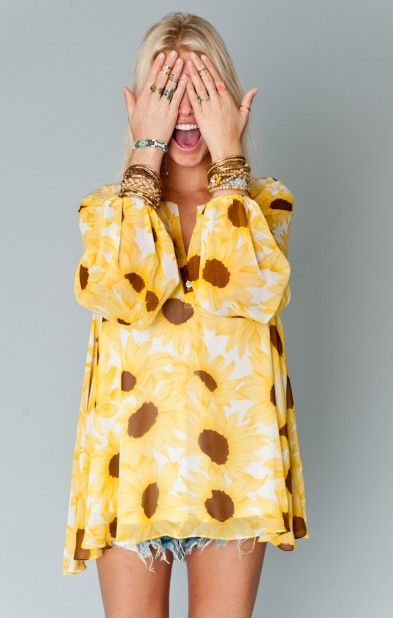 Show Me Your MuMu Jamie Tunic Floral fashion, so feminine.
