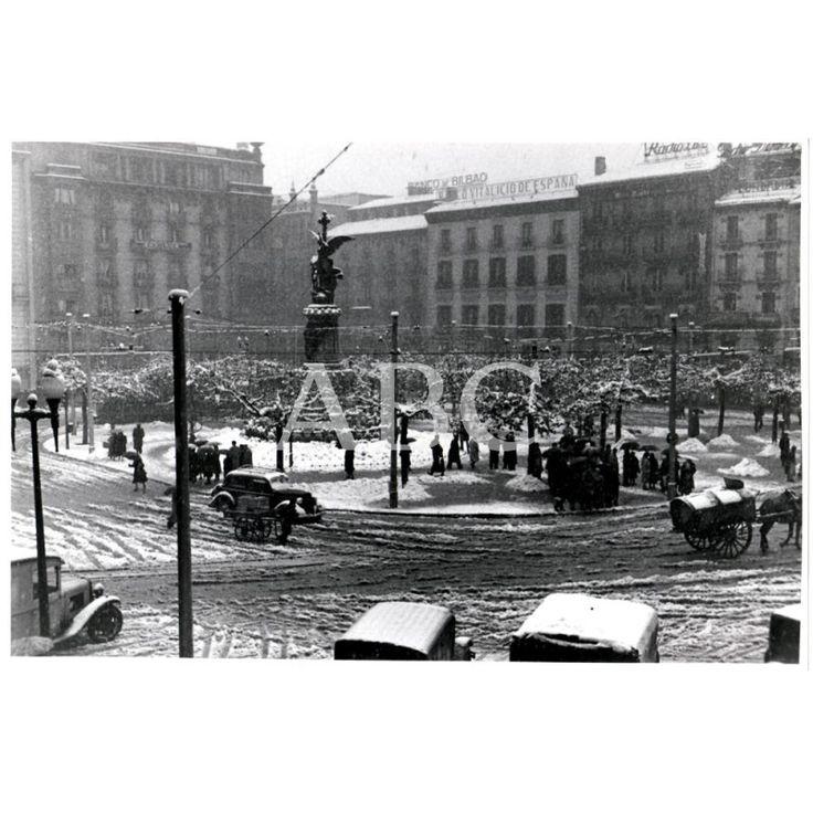 1951 LA PLAZA DE ESPAÑA TRAS LA NEVADA - FECHA APROXIMADA: Descarga y compra fotografías históricas en | abcfoto.abc.es
