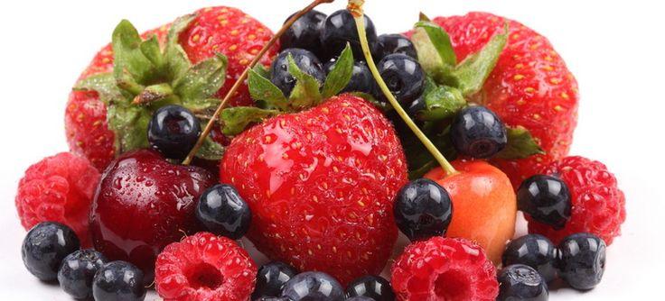 Manfaat Baik dari Buah Berries - Manfaat baik dari buah berries yang terdiri dari blueberry, strawberry, raspberry, atau pun cranberry tentu saja sangat diperlukan kesehatan tubuh kita. Sebab sekelompok buah tersebut mengandung serat yang tinggi dan antioksidan. Salah satu manfaat positif yang bisa kita petik dari buah ini... - http://blog.masteragenbola.com/manfaat-baik-dari-buah-berries/