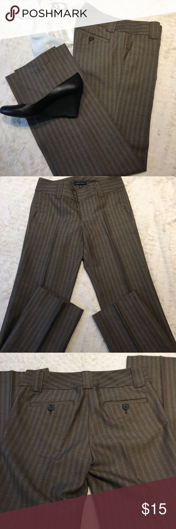 "Banana Republic Sz 4 Brown Slacks NWOT Brown low rise pants In pristine condition! 32"" inseam for heels and ready to wear! Banana Republic Pants Trousers"