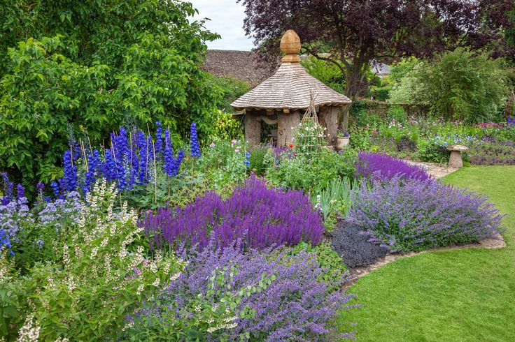 Enjoy a tour of the private gardens of TRH The Prince of Wales and The Duchess of Cornwall.