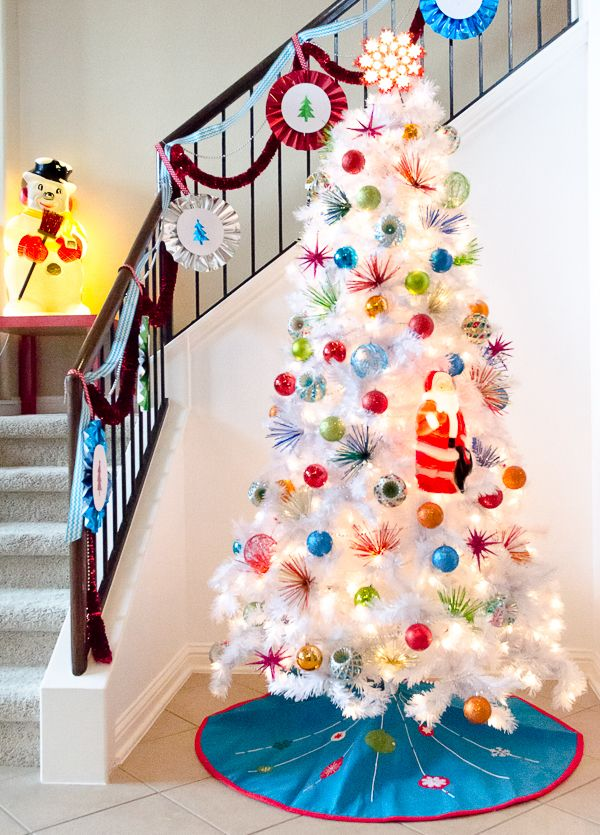 I M Dreaming Of A Inspired Brightly Decorated White Christmas Tree Makely