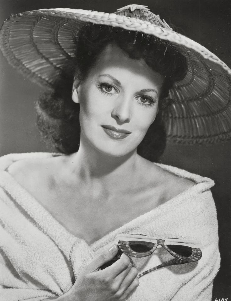 Maureen O'Hara ~ One of my favorite!!: