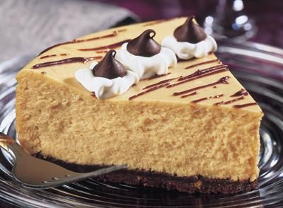 HERSHEY'S | REESE'S Chocolate Peanut Butter CheesecakeHalloween Desserts, Chocolates Peanut Butter, Peanut Butter Cheesecake, Ree Chocolates, Reese Chocolates, Food, Cheesecake Recipe, Hershey Kisses, Chocolate Peanut Butter