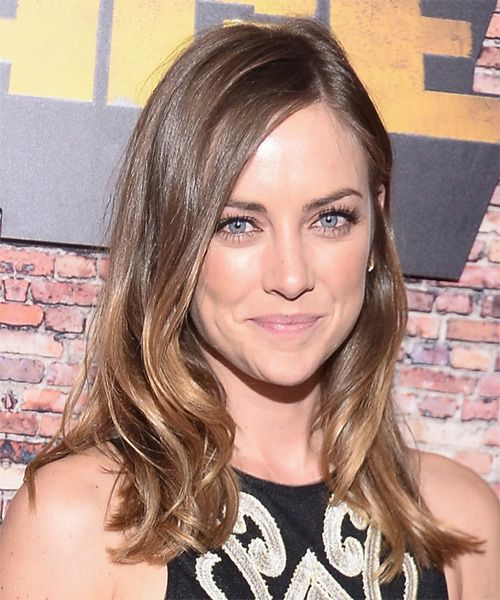 Jessica Stroup Wavy Casual - side view