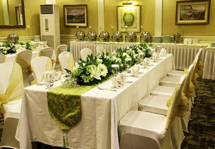 Rangkaian bunga VIP long table