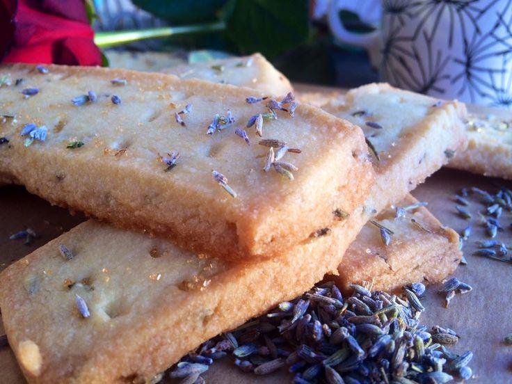 Domácí sladké levandulové sušenky (shortbreads v násilné seznamce) | Home-Made.Cz