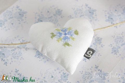 Búzavirág szív füzér 0.2 (ircsisufni) - Meska.hu