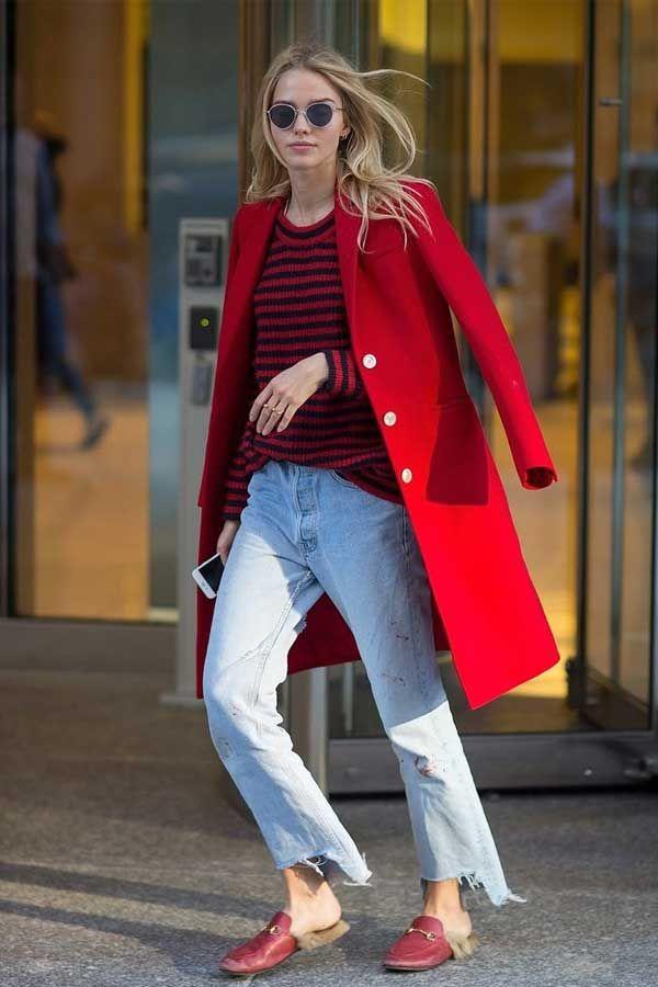 | Jeans + Vermelho - Um jeito clássico de combinação de cores, porem um uma pegada mais fashionista misturando peças chiques com peças mais casuais! |