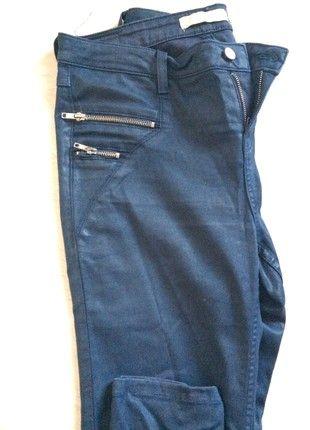 À vendre sur #vintedfrance ! http://www.vinted.fr/mode-femmes/pantalons-droits/51062726-pantalon-zara-bleu-marine-t40
