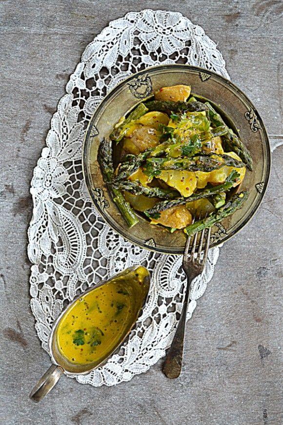 Szparagi, młode ziemniaki i aïoli z krwiściągiem