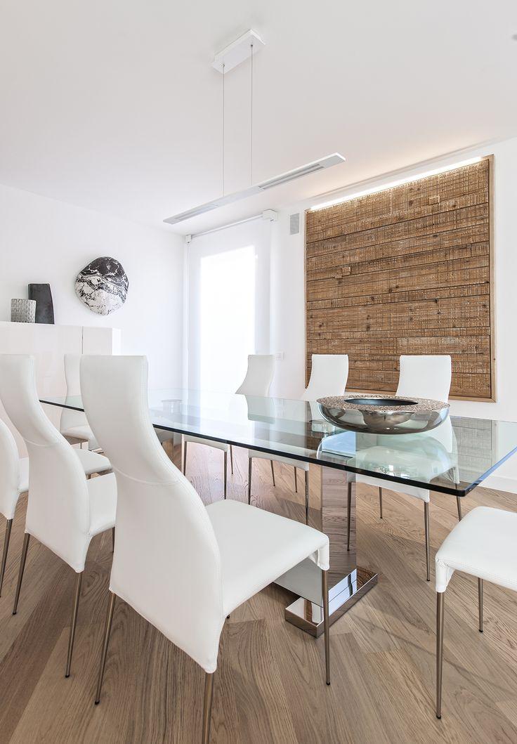 BRANDO concept sala da pranzo diningroom tavolo cristallo sedie pelle bianco minimale white minimal design